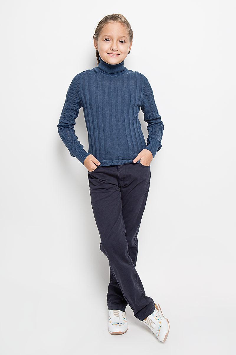 Водолазка для девочки Nota Bene, цвет: темно-синий. W_K6444-28. Размер 146WK6444-28/W_K6444-28Водолазка для девочки Nota Bene идеально подойдет вашей моднице. Изготовленная из тонкой пряжи, она теплая, не стесняет движений, хорошо пропускает воздух.Водолазка с длинными рукавами имеет высокий воротник-гольф. Воротник и манжеты связаны резинкой. Оформлено изделие вязаным узором.Такая водолазка займет достойное место в детском гардеробе. В ней ваша принцесса будет чувствовать себя комфортно, тепло и уютно!