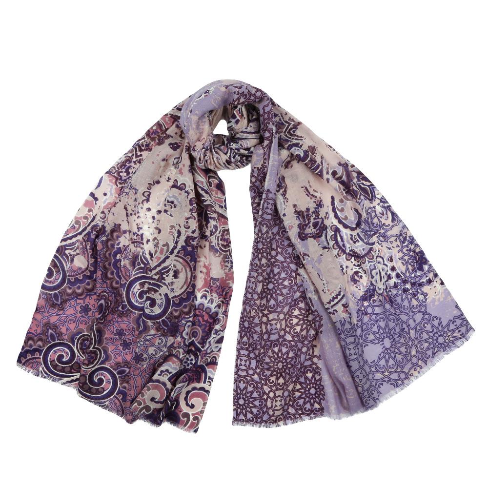 Шарф женский Fabretti, цвет: сиреневый. YNNT152519. Размер 70 см х 182 смYNNT152519-2Стильный шарф поможет внести живость в любой образ, подарит уют и согреет от холодного ветра. Выполнен из высококачественного материала и оформлен оригинальным принтом.