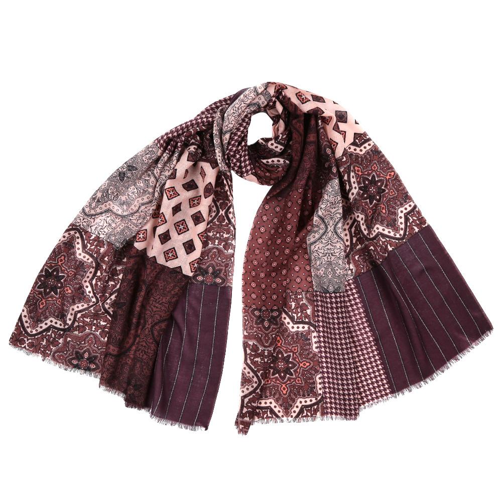 Шарф женский Fabretti, цвет: мультиколор. YNNT15246. Размер 70 см х 182 смYNNT15246-6Стильный шарф поможет внести живость в любой образ, подарит уют и согреет от холодного ветра. Выполнен из высококачественного материала и оформлен оригинальным принтом.