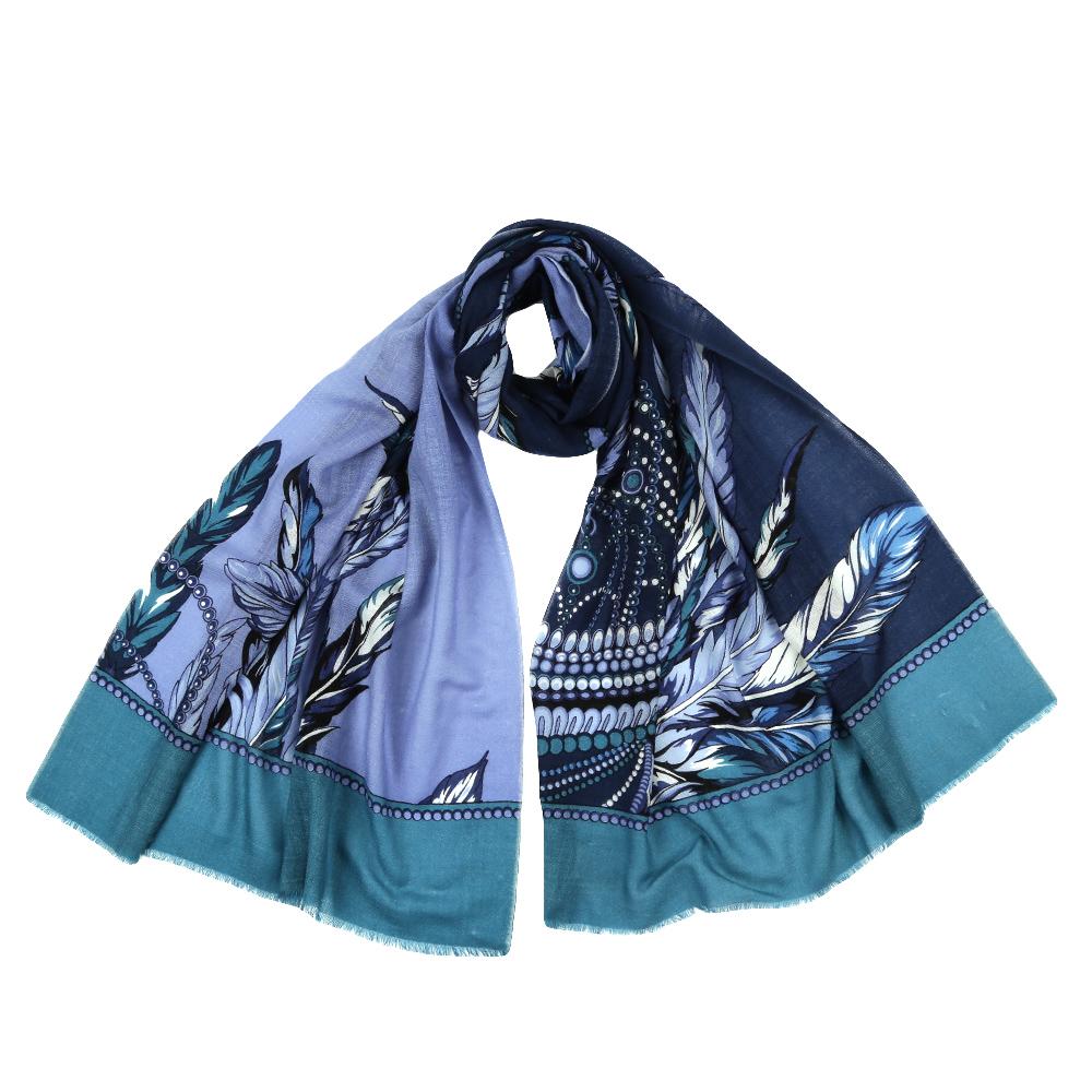 Шарф женский Fabretti, цвет: синий, голубой. YNNT1523. Размер 70 см х 182 смYNNT1523-5Стильный шарф поможет внести живость в любой образ, подарит уют и согреет от холодного ветра. Выполнен из высококачественного материала и оформлен оригинальным принтом.