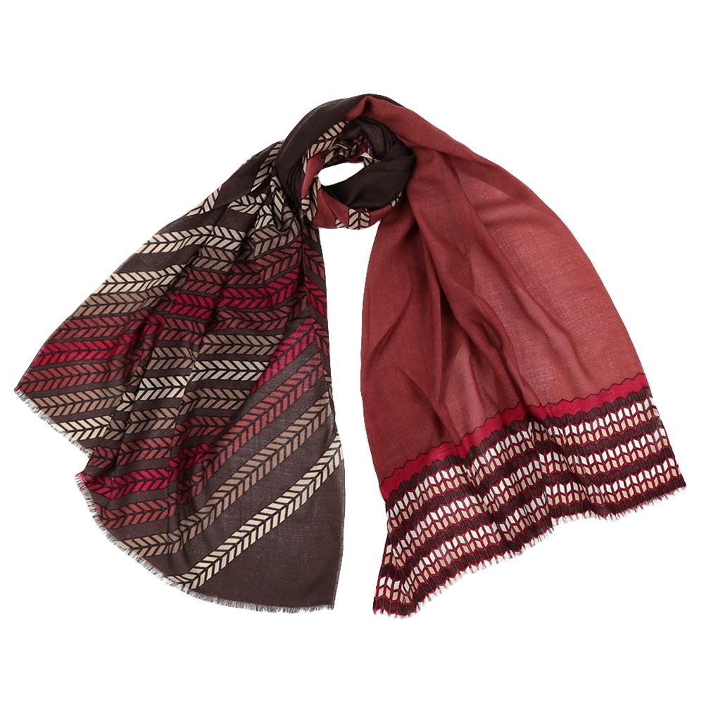 Шарф женский Fabretti, цвет: красный. YNNT1522. Размер 70 см х 182 смYNNT1522-6Стильный шарф поможет внести живость в любой образ, подарит уют и согреет от холодного ветра. Выполнен из высококачественного материала и оформлен оригинальным принтом.