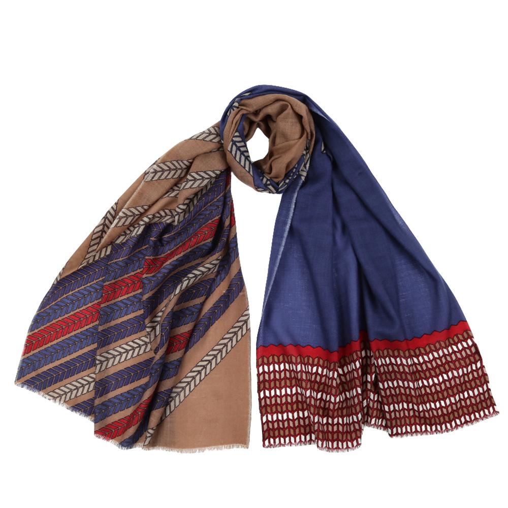 Шарф женский Fabretti, цвет: синий, коричневый. YNNT1522. Размер 70 см х 182 смYNNT1522-3Стильный шарф поможет внести живость в любой образ, подарит уют и согреет от холодного ветра. Выполнен из высококачественного материала и оформлен оригинальным принтом.