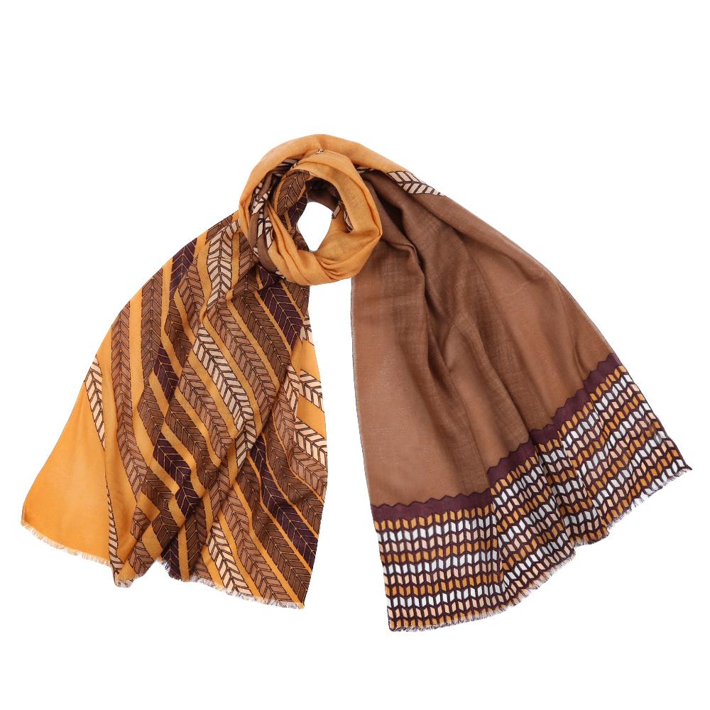 Шарф женский Fabretti, цвет: коричневый. YNNT1522. Размер 70 см х 182 смYNNT1522-15Стильный шарф поможет внести живость в любой образ, подарит уют и согреет от холодного ветра. Выполнен из высококачественного материала и оформлен оригинальным принтом.