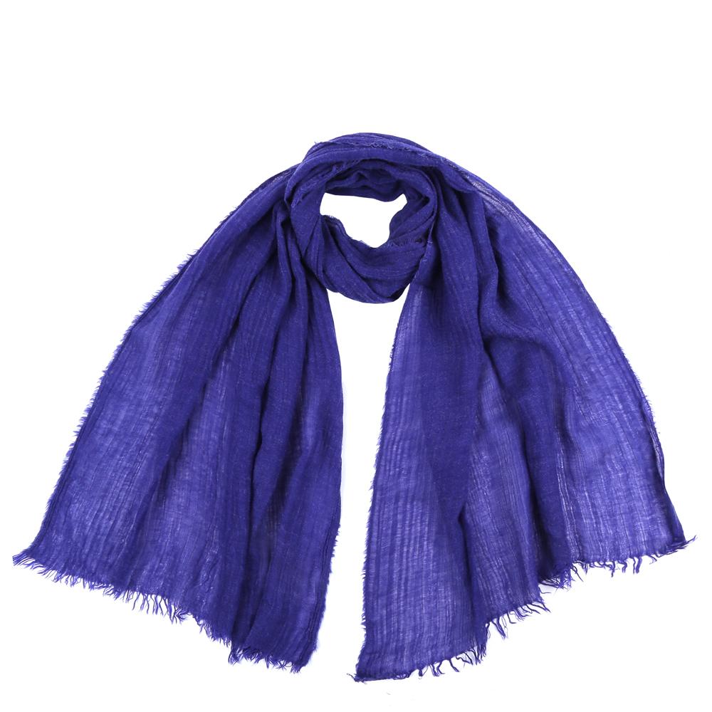 Шарф женский Fabretti, цвет: синий. SR12656. Размер 75 см х 180 смSR12656-3Стильный шарф поможет внести живость в любой образ, подарит уют и согреет от холодного ветра. Выполнен из высококачественного материала и оформлен оригинальным принтом.