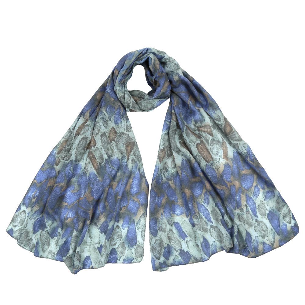 Шарф женский Fabretti, цвет: синий. F1555. Размер 70 см х 195 смF1555-5Стильный шарф поможет внести живость в любой образ, подарит уют и согреет от холодного ветра. Выполнен из высококачественного материала и оформлен оригинальным принтом.