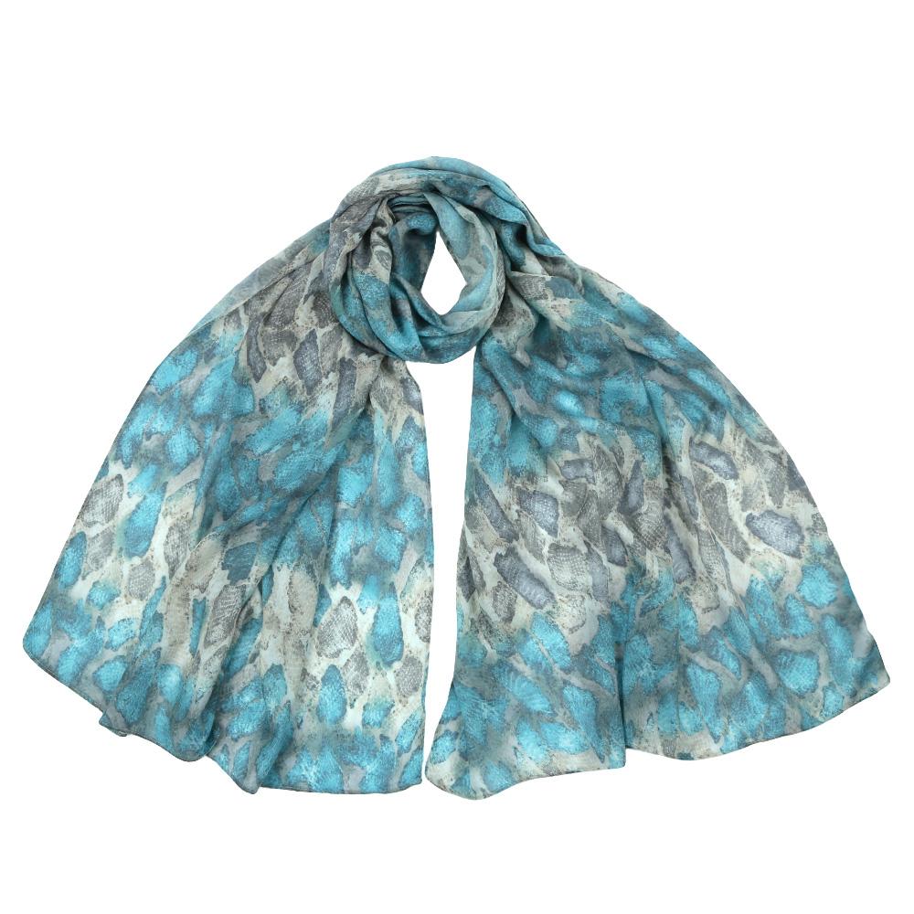 Шарф женский Fabretti, цвет: голубой. F1555. Размер 70 см х 195 смF1555-4Стильный шарф поможет внести живость в любой образ, подарит уют и согреет от холодного ветра. Выполнен из высококачественного материала и оформлен оригинальным принтом.