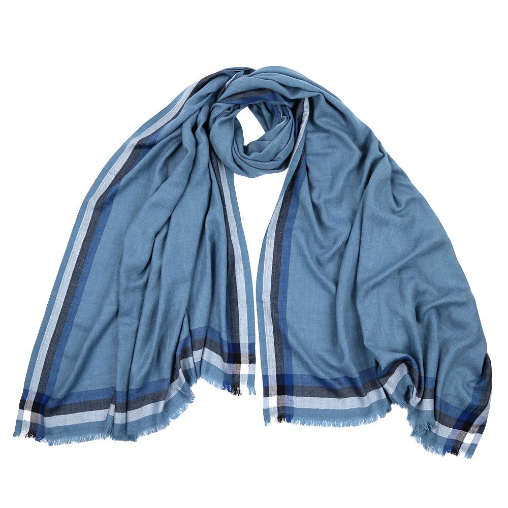 Шарф женский Fabretti, цвет: голубой. F1528. Размер 100 см х 200 смF1528-1Стильный шарф поможет внести живость в любой образ, подарит уют и согреет от холодного ветра. Выполнен из высококачественного материала и оформлен оригинальным принтом.