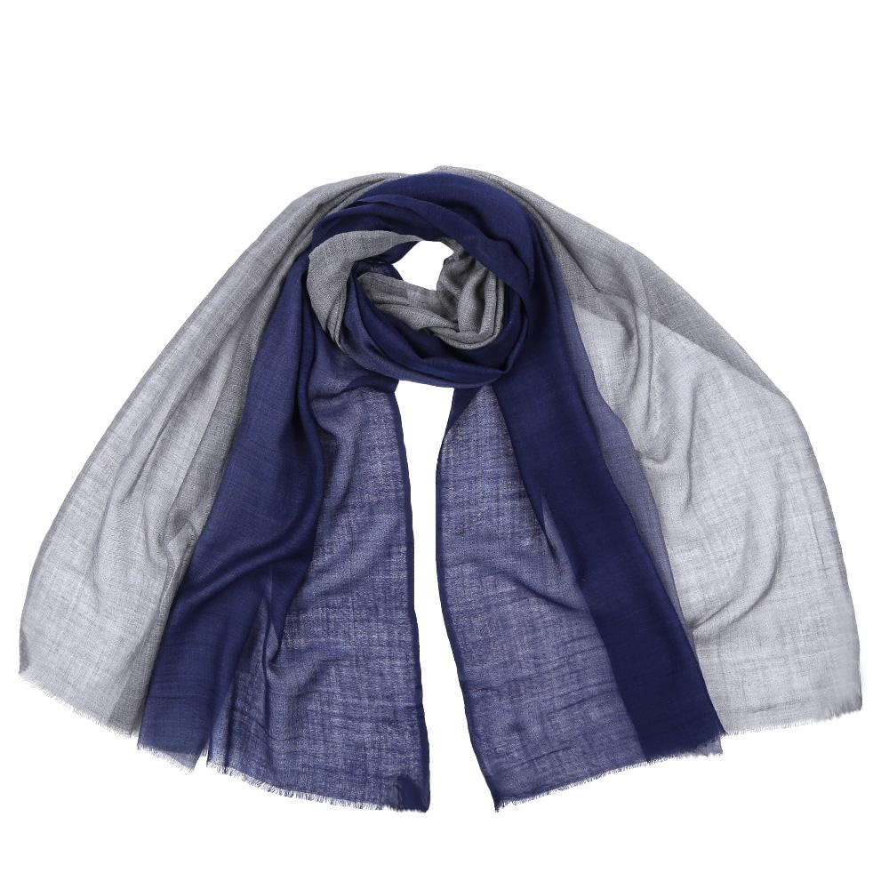 Шарф женский Leo Ventoni, цвет: синий. AA-5536. Размер 70 см х 180 смAA-5536-BlueСтильный шарф поможет внести живость в любой образ, подарит уют и согреет от холодного ветра. Выполнен из высококачественного материала и оформлен оригинальным принтом.