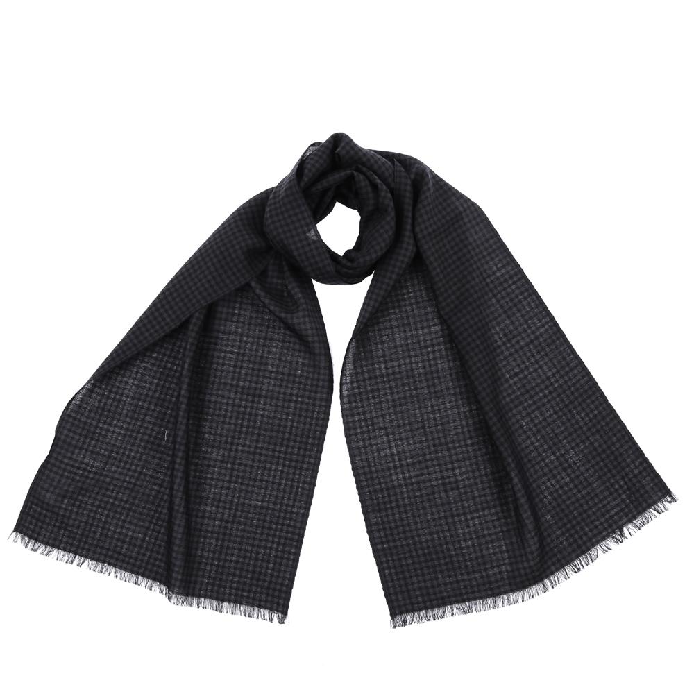 Шарф женский Fabretti, цвет: черный. 9170. Размер 40 см х 184 см9170-2Стильный шарф поможет внести живость в любой образ, подарит уют и согреет от холодного ветра. Выполнен из высококачественного материала и оформлен оригинальным принтом.