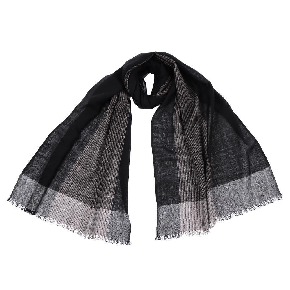 Шарф женский Fabretti, цвет: черный. 61218. Размер 55 см х 184 см61218-1Стильный шарф поможет внести живость в любой образ, подарит уют и согреет от холодного ветра. Выполнен из высококачественного материала и оформлен оригинальным принтом.