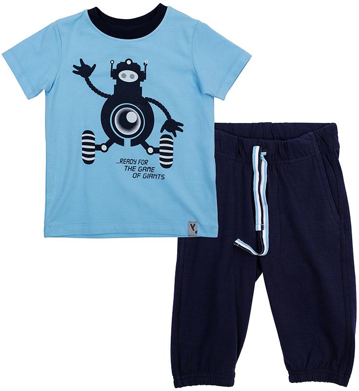 Комплект для мальчика PlayToday: футболка, бриджи, цвет: темно-синий, голубой. 361082. Размер 122361082Удобный комплект для мальчика, состоящий из футболки и бриджей в спортивном стиле, отлично подойдет как для отдыха, так и для занятий спортом. Футболка с короткими рукавами и круглым вырезом горловины дополнена эластичной трикотажной резинкой на воротнике и оформлена мягким водным принтом с роботом. Бриджи имеют пояс на резинке, дополнительно регулируемый шнурком. По бокам изделие дополнено двумя втачными карманами. Низ брючин дополнен трикотажной резинкой.