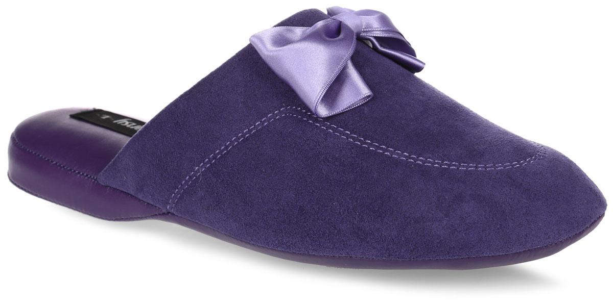 Тапки женские Pansy, цвет: фиолетовый. 9451. Размер M (37)9451_PurpleДомашняя обувьот Pansy - стандарт технологий комфорта из Японии:Mould - тапки Pansy проектируется и изготавливается по технологии современной модельной обуви: многослойная подошва и обувные материалы, обеспечивают функциональность модельной обуви при весе одного тапка от 100 до max 150 г . 3 Point - японская ортопедическая подошва снижает нагрузку на основные опорные точки, уменьшает разогрев стопы и поддерживает ее в оптимальном положении. Aerolite - технология фирмы Teijin Cordley Ltd. по изготовлению искусственной кожи с заранее заданными свойствами. Волокна аэрокапсульного волокна с включениями пузырьков воздуха выращивают с параметрами превышающие характеристики натуральной кожи по массе, гигроскопичности и износостойкости. Cool Max - сетка, используемая для быстрого отвода и испарения влаги, снижения температуры на особо нагруженных поверхностях по патенту фирмы Toray Inc. Zeomix - глубокая антибактериальная обработка ионами серебра по технологии Asahi Karuray на все время эксплуатации.Biosil - пропитка деодорантом Dow Jones Corning длительного действия эффективно нейтрализует запахи. Super Fine - грязеотталкивающее покрытие, обеспечивающее легкое удаление загрязнений влажной салфеткой. Функцию антискольжения - выполняют специальные нашивки на подошве.Тепло человеческих рук - используется при ручном соединении верхней стельки к подошве с помощью традиционной скорняжной техники. Модель выполнена из текстиля, оформленного прострочкой и декорированного атласнымбантом.Удобные тапочки - незаменимая вещь в гардеробе каждой женщины!