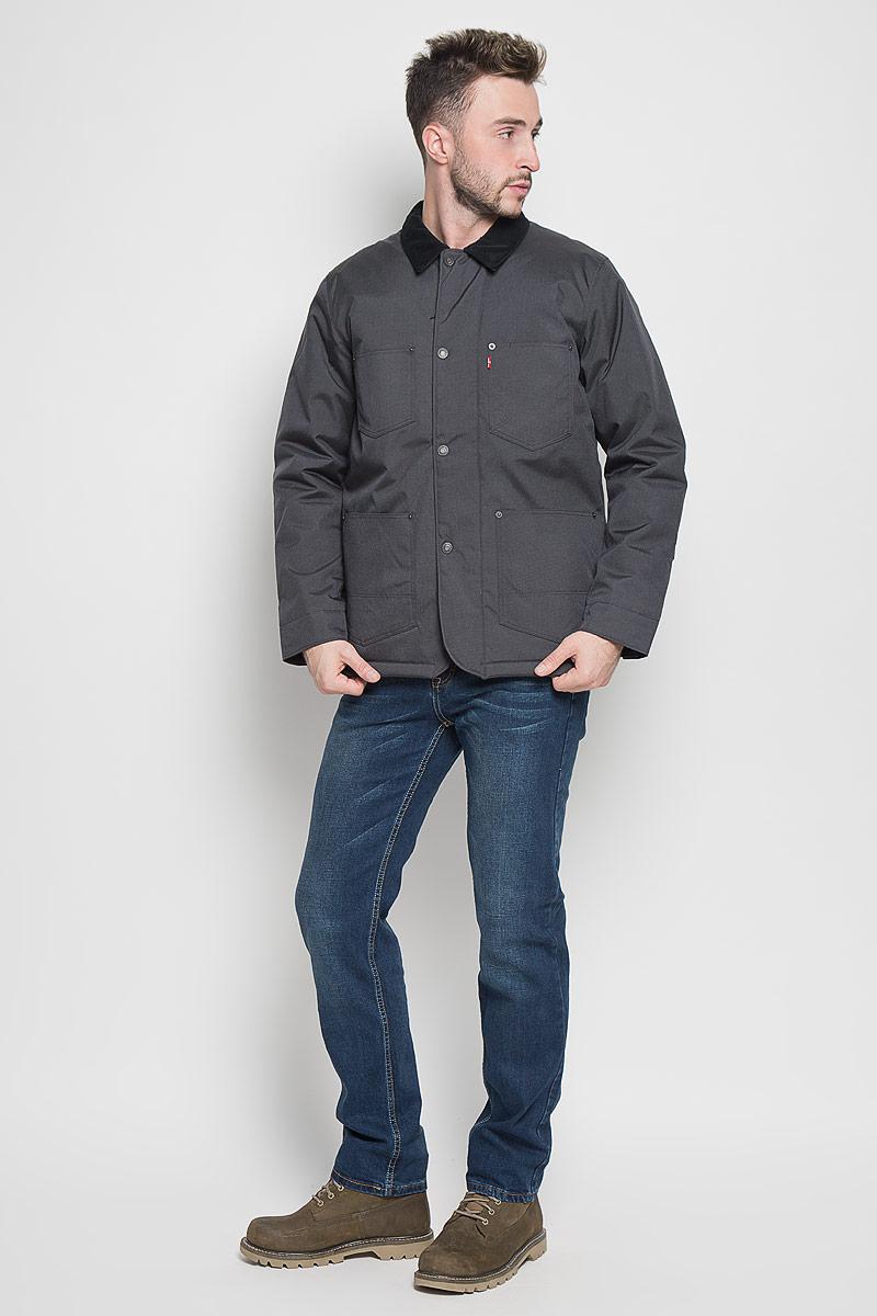 Куртка мужская Levis®, цвет: темно-серый. 2767900010. Размер XL (50)2767900010Стильная мужская куртка Levis® превосходно подойдет для прохладных дней. Куртка выполнена из полиамида, она отлично защищает от дождя, снега и ветра, а наполнитель из синтепона превосходно сохраняет тепло. Модель с длинными рукавами и отложным воротником застегивается на застежку-молнию спереди и имеет ветрозащитный клапан на кнопках. Изделие дополнено четырьмя накладными карманами спереди, а также внутренним втачным карманом на молнии. Рукава дополнены манжетами на кнопках.Эта модная и в то же время комфортная куртка согреет вас в холодное время года и отлично подойдет как для прогулок, так и для активного отдыха.