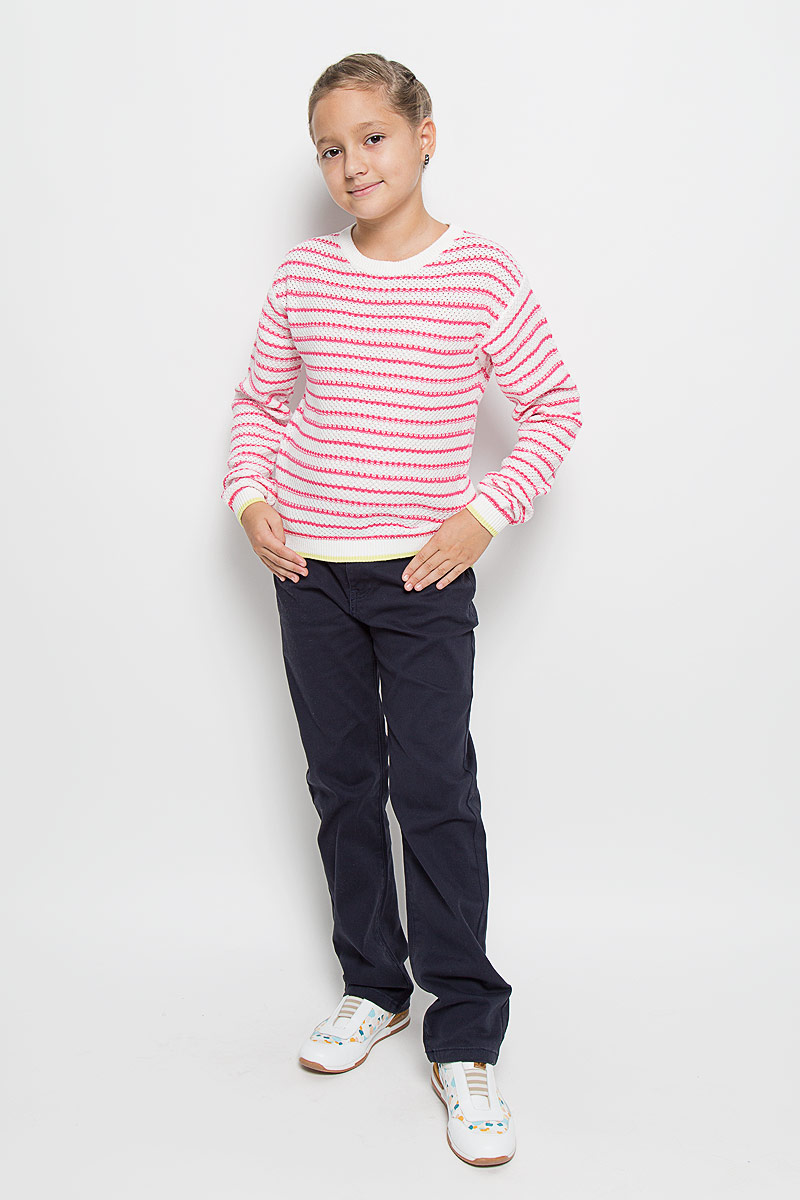 Джемпер для девочки Sela, цвет: белый, розовый. JR-614/098-6182. Размер 152, 12 летJR-614/098-6182Очаровательный вязаный джемпер для девочки Sela идеально подойдет вашей юной моднице. Изготовленный из натуральной хлопковой пряжи, он необычайно мягкий и приятный на ощупь, не сковывает движения ребенка, позволяет коже дышать.Джемпер с длинными рукавами и круглым вырезом горловины оформлен вязаным рисунком в полоску. Манжеты рукавов и низ изделия связаны резинкой с полосой контрастного цвета. Вырез горловины также связан резинкой. Современный дизайн и расцветка делают этот джемпер стильным предметом детского гардероба. В нем вашей принцессе будет уютно и тепло, и она всегда будет в центре внимания!