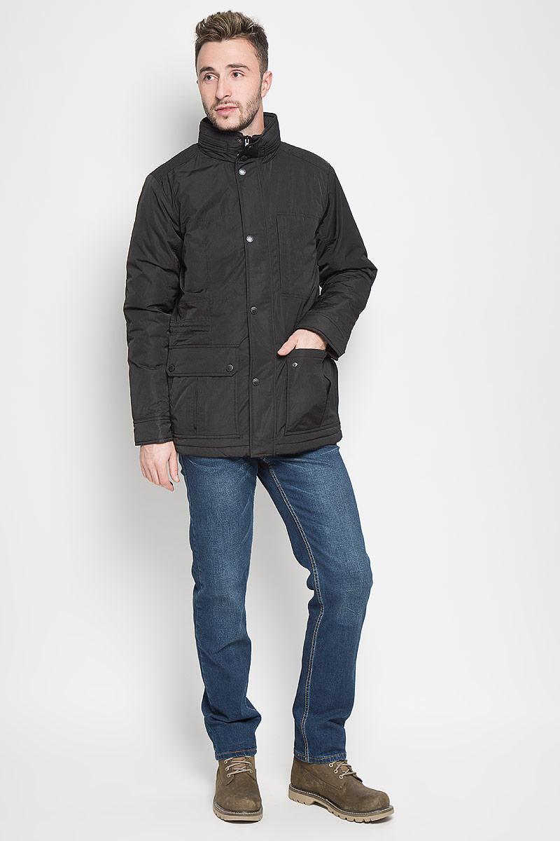 Куртка мужская Sela Casual Wear, цвет: черный. Cp-226/347-6312. Размер L (50)Cp-226/347-6312Стильная мужская куртка Sela Casual Wear превосходно подойдет для прохладных дней. Куртка выполнена из полиэстера, она отлично защищает от дождя, снега и ветра, а наполнитель из синтепона превосходно сохраняет тепло.Модель с длинными рукавами и воротником-стойкой застегивается на застежку-молнию и имеет ветрозащитный клапан на кнопках. Изделие дополнено двумя накладными открытыми карманами и двумя накладными карманами на клапанах с кнопками спереди, а также внутренним втачным карманом на молнии. Объем талии регулируется при помощи внутреннего шнурка-кулиски. Эта модная и в то же время комфортная куртка согреет вас в холодное время года и отлично подойдет как для прогулок, так и для активного отдыха.
