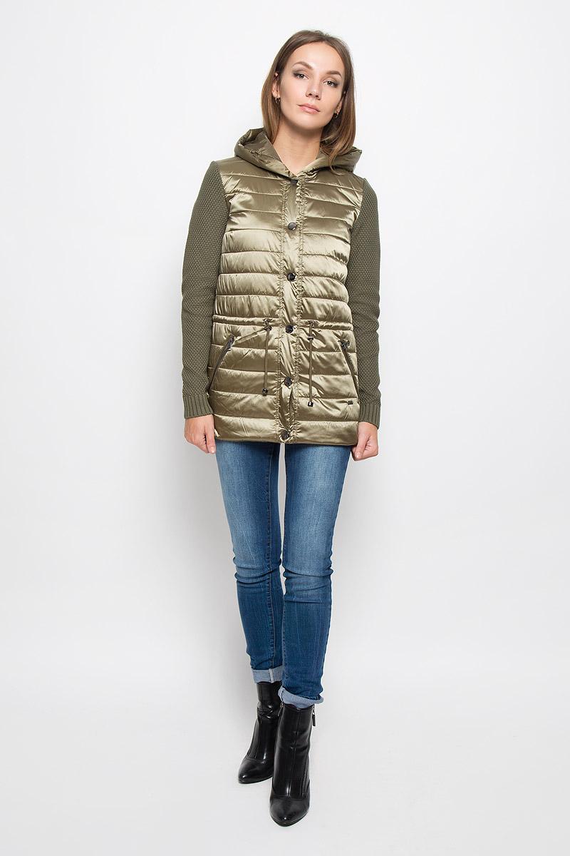 Куртка женская Finn Flare, цвет: оливковый. A16-32051_901. Размер S (44)A16-32051_901Стильная женская куртка Finn Flare отлично подойдет для прохладной погоды. Модель с не отстегивающимся капюшоном и рукавами из плотного вязаного трикотажа застегивается на кнопки. Куртка на синтепоне выполнена из полиэстера с нейлоном на подкладке из 100% полиэстера. Изделие дополнено двумя прорезными карманами на застежках-молниях. На талии куртка затягивается на шнурок-кулиску. Эта модная куртка послужит отличным дополнением к вашему гардеробу!