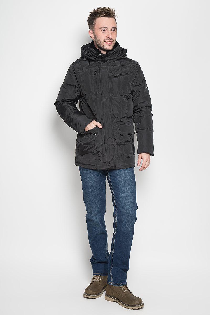 Куртка мужская Sela Casual Wear, цвет: черный. Cd-226/332-6414. Размер L (50)Cd-226/332-6414Стильная мужская куртка Sela Casual Wear превосходно подойдет для прохладных дней. Куртка выполнена из полиэстера, она отлично защищает от дождя, снега и ветра, а наполнитель из пуха и пера превосходно сохраняет тепло. Модель с длинными рукавами и воротником-стойкой застегивается на застежку-молнию и имеет ветрозащитный клапан на кнопках. Куртка дополнена съёмным капюшоном на застежке-молнии, объем которого регулируется при помощи шнурка-кулиски со стопперами. Изделие дополнено двумя втачными карманами на кнопках, двумя втачными карманами на клапанах с кнопками и двумя втачными карманами на молниях спереди, а также внутренним втачным карманом на молнии. Рукава дополнены внутренними трикотажными манжетами. Объем талии регулируется при помощи внутреннего шнурка-кулиски.Эта модная и в то же время комфортная куртка согреет вас в холодное время года и отлично подойдет как для прогулок, так и для активного отдыха.