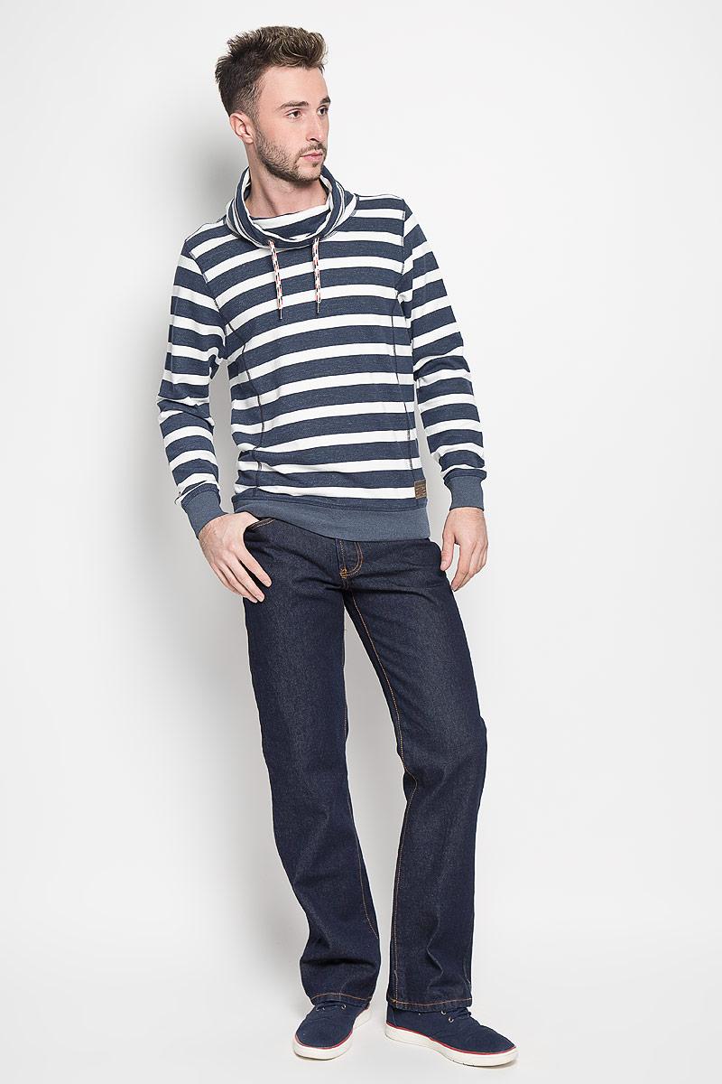 Джинсы мужские Montana, цвет: темно-синий. 10061 RW. Размер 34-34 (50-34)10061 RWМужские джинсы Montana, выполненные из качественного хлопка, станут отличным дополнением к вашему гардеробу. Ткань плотная, тактильно приятная, позволяет коже дышать. Джинсы прямого кроя и средней посадки застегиваются на металлическую пуговицу в поясе и имеют ширинку на застежке-молнии, а также шлевки для ремня. Модель имеет классический пятикарманный крой: спереди - два втачных кармана и один маленький накладной, а сзади - два накладных кармана. Оформлены контрастной прострочкой. Отличное качество, дизайн и расцветка делают эти джинсы стильным и модным предметом мужской одежды.