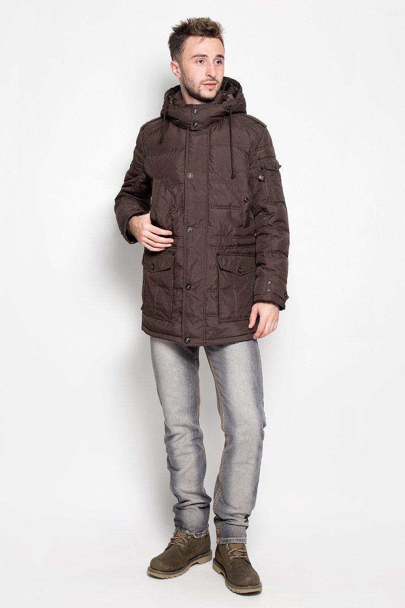 Куртка мужская Finn Flare, цвет: темно-коричневый. A16-22037_621. Размер L (50)A16-22037_621Стильная мужская куртка Finn Flare превосходно подойдет для прохладных дней. Куртка выполнена из полиэстера, она отлично защищает от дождя, снега и ветра, а наполнитель из синтепона превосходно сохраняет тепло. Модель с длинными рукавами и воротником-стойкой застегивается на застежку-молнию спереди и имеет ветрозащитный клапан на кнопках и съемный капюшон на кнопках. Объем капюшона регулируется при помощи шнурка-кулиски. Изделие дополнено двумя накладными карманами с клапанами на кнопках и двумя втачными карманами на кнопках спереди, а также двумя потайными карманами на застежках-молниях и внутренним втачным карманом на пуговице. На рукаве расположен накладной карман с клапаном на кнопке и втачной карман на застежке-молнии. Рукава дополнены внутренними трикотажными манжетами. Объем талии регулируется при помощи внутреннего шнурка-кулиски.Эта модная и комфортная куртка согреет вас в холодное время года и отлично подойдет как для прогулок, так и для активного отдыха.