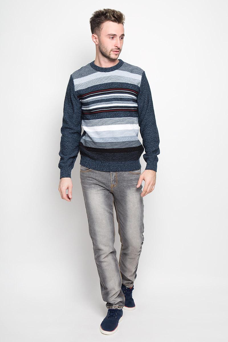 Джемпер мужской Milana Style, цвет: черный, серо-синий, белый. 1377. Размер XL (50)1377Модный мужской джемпер Milana Style, изготовленный из шерсти и ПАН-волокна, мягкий и приятный на ощупь, не сковывает движений и обеспечивает комфорт. Модель с круглым вырезом горловины и длинными рукавами великолепно подойдет для создания современного образа в стиле Casual. Горловина, манжеты рукавов и низ джемпера связаны резинкой. Передняя часть модели оформлена оригинальным вязаным узором. Этот джемпер послужит отличным дополнением к вашему гардеробу. В нем вы всегда будете чувствовать себя уютно и комфортно в прохладную погоду.