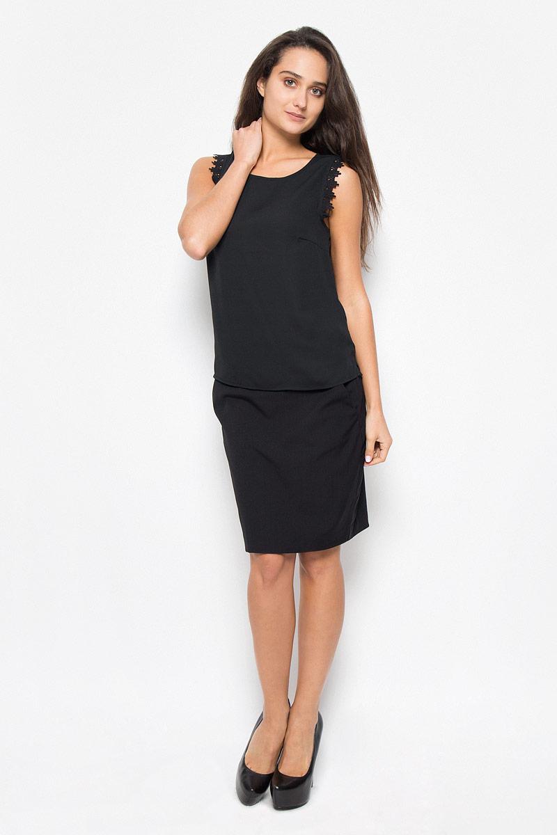 Блузка женская Vero Moda, цвет: черный. 10162388. Размер XS (40)10162388_BlackСтильная женская блуза Vero Moda, выполненная из 100% полиэстера, подчеркнет ваш уникальный стиль и поможет создать оригинальный женственный образ.Блузка свободного кроя, без рукавов с круглым вырезом горловины. Проймы рукавов дополнены ажурными вставками. Легкая блуза идеально подойдет для жарких летних дней. Такая блузка будет дарить вам комфорт в течение всего дня и послужит замечательным дополнением к вашему гардеробу.