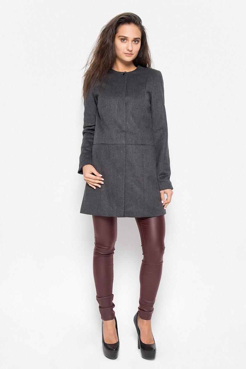 Пальто женское Vero Moda, цвет: серый. 10159255. Размер S (42)10159255_Dark Grey MelangeУдобное женское пальто Vero Moda согреет вас в прохладную погоду и позволит выделиться из толпы. Модель с длинными рукавами и круглым вырезом горловины выполнена из полиэстера с добавлением шерсти, застегивается на кнопки спереди. Такое пальто надежно сохранит тепло и защитит вас от ветра и холода. Это модное и уютное пальто - отличный вариант для прогулок, оно подчеркнет ваш изысканный вкус и поможет создать неповторимый образ.