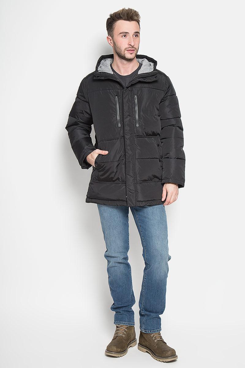 Куртка мужская Sela Casual Wear, цвет: черный. Cp-226/358-6313. Размер XXL (54)Cp-226/358-6313Стильная мужская куртка Sela Casual Wear превосходно подойдет для прохладных дней. Куртка выполнена из полиэстера, она отлично защищает от дождя, снега и ветра, а наполнитель из синтепона превосходно сохраняет тепло. Модель с длинными рукавами и несъёмным капюшоном застегивается на застежку-молнию спереди и имеет ветрозащитный клапан на липучках и кнопках. Объем капюшона регулируется при помощи шнурка-кулиски. Изделие дополнено двумя втачными карманами на кнопкахи двумя втачными карманами на застежках-молниях спереди, а также внутренним накладным карманом на молнии. Рукава дополнены внутренними трикотажными манжетами. По низу куртка дополнена шнурком-кулиской.Эта модная и комфортная куртка согреет вас в холодное время года и отлично подойдет как для прогулок, так и для активного отдыха.