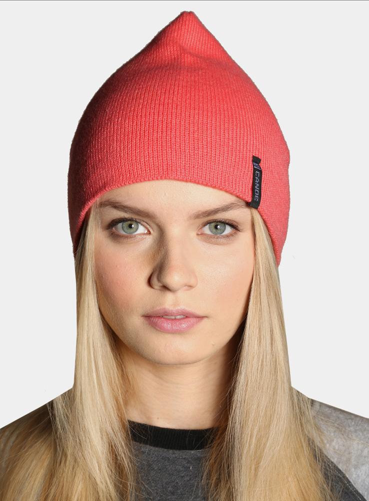 Шапка женская Canoe Anfor, цвет: коралловый. 3442182. Размер 56/593442182Легендарная шапка в стиле петушок снова на пике моды. Своё название она получила благодаря специфической форме, ставшей культом среди спортивных моделей. Выполнена гладкой вязкой, обладает хорошей эластичностью и комфортно облегает голову.