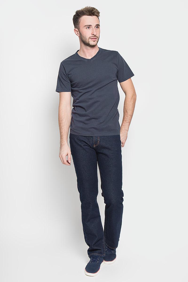 Футболка мужская. Only & Sons, цвет: темно-серый. 22004073. Размер M (46)22004073_Dark NavyСтильная мужская футболка Only & Sons, выполненная из натурального хлопка необычайно мягкая и приятная на ощупь. Модель с короткими рукавами и V-образным вырезом горловины - идеальный вариант для создания образа в стиле Casual. Такая модель подарит вам комфорт в течение всего дня и послужит замечательным дополнением к вашему гардеробу.