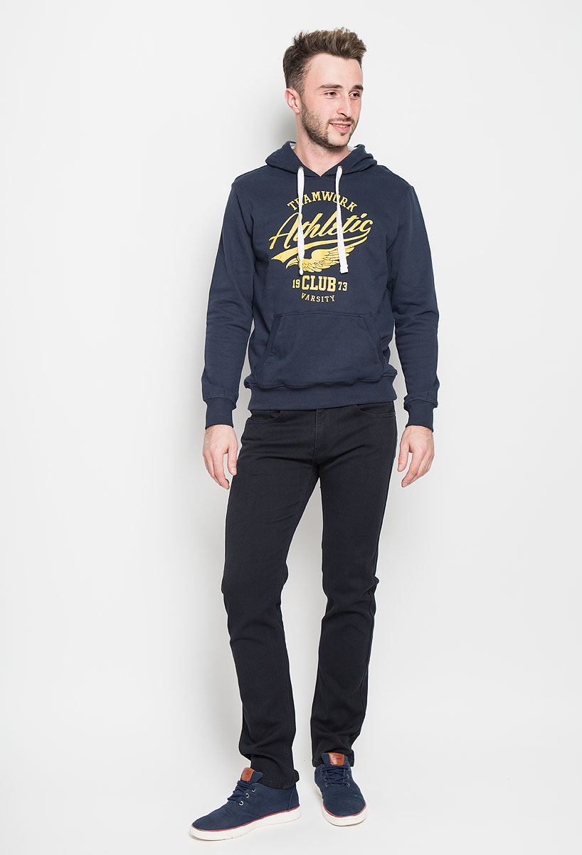 Брюки мужские Sela Casual Wear, цвет: темно-синий. P-215/502-6382. Размер L (50)P-215/502-6382Стильные мужские брюки Sela Casual Wear, выполненные из высококачественного материала, отлично дополнят ваш образ. Материал изделия плотный, тактильно приятный, позволяет коже дышать. Брюки застегиваются на пуговицу и имеют ширинку на застежке-молнии. На поясе предусмотрены шлевки для ремня. Спереди модель дополнена двумя втачными карманами и маленьким накладным, сзади - двумя накладными карманами. Высокое качество кроя и пошива, дизайн и расцветка придают изделию неповторимый стиль и индивидуальность. Модель займет достойное место в вашем гардеробе!