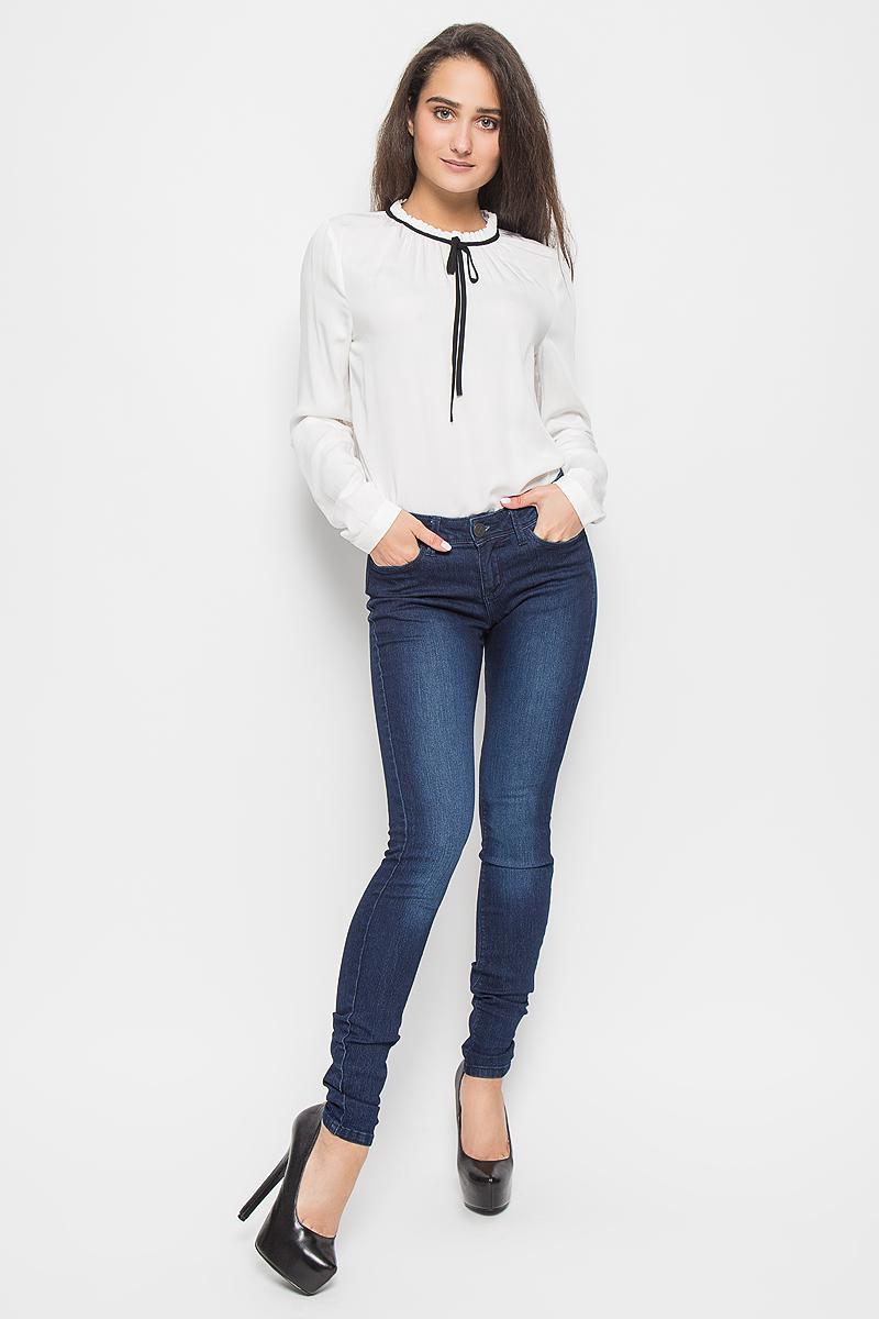 Джинсы женские Tom Tailor Denim Jona, цвет: темно-синий. 6205009.09.71_1053. Размер 30-32 (46-32)6205009.09.71_1053Стильные женские джинсы Tom Tailor Denim Jona - это джинсы высочайшего качества, которые прекрасно сидят. Они выполнены из высококачественного эластичного хлопка с добавлением полиэстера, что обеспечивает комфорт и удобство при носке. Модные джинсы-скинни заниженной посадки станут отличным дополнением к вашему современному образу. Джинсы застегиваются на пуговицу в поясе и ширинку на застежке-молнии, имеют шлевки для ремня. Джинсы имеют классический пятикарманный крой: спереди модель оформлена двумя втачными карманами и одним маленьким накладным кармашком, а сзади - двумя накладными карманами.Эти модные и в то же время комфортные джинсы послужат отличным дополнением к вашему гардеробу.