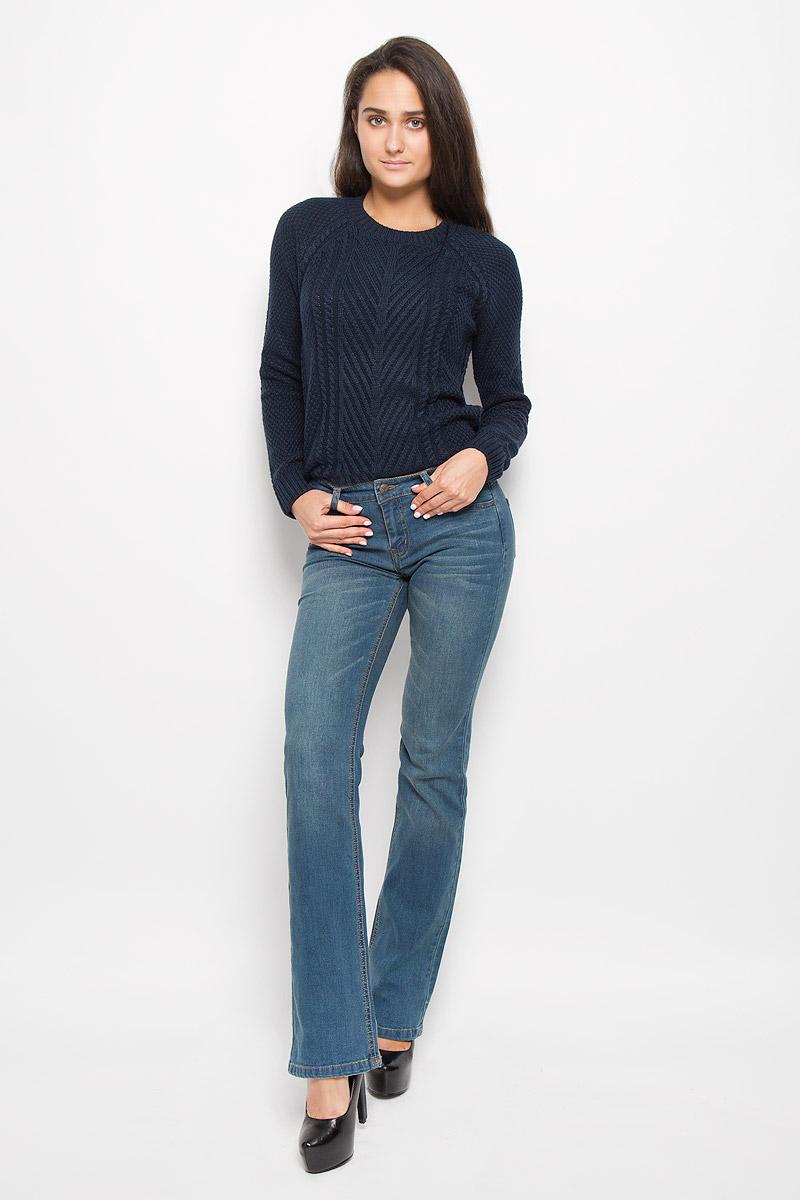 Джинсы женские Sela Denim, цвет: синий. PJ-135/542-6393. Размер 26-32 (42-32)PJ-135/542-6393Стильные женские джинсы Sela Denim подчеркнут ваш уникальный стиль и помогут создать оригинальный женственный образ. Модель выполнена из высококачественного эластичного хлопка с добавлением полиэстера. Материал мягкий и приятный на ощупь, не сковывает движения и позволяет коже дышать.Джинсы прямого кроя и средней посадки застегиваются на пуговицу в поясе и ширинку на застежке-молнии. На поясе предусмотрены шлевки для ремня. Спереди модель оформлена двумя втачными карманами и одним маленьким накладным кармашком, а сзади - двумя накладными карманами. Модель оформлена эффектом притертости, перманентными складками. Эти модные и в тоже время комфортные джинсы послужат отличным дополнением к вашему гардеробу.