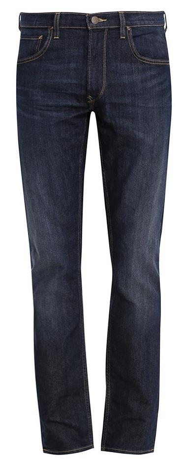 Джинсы мужские Lee, цвет: темно-синий джинс. L707AADY. Размер 31-32 (46/48-32)L707AADYСтильные мужские джинсы Lee - джинсы высочайшего качества, которые прекрасно сидят. Модель слегка зауженного к низу кроя и средней посадки изготовлена из хлопка с добавлением эластомультиэстера, не сковывает движения и дарит комфорт.Джинсы на талии застегиваются на металлическую пуговицу, а также имеют ширинку на застежке-молнии и шлевки для ремня. Спереди модель дополнена двумя втачными карманами и одним небольшим накладным кармашком, а сзади - двумя большими накладными карманами. Модель оформлена перманентными складками и состариванием денима.