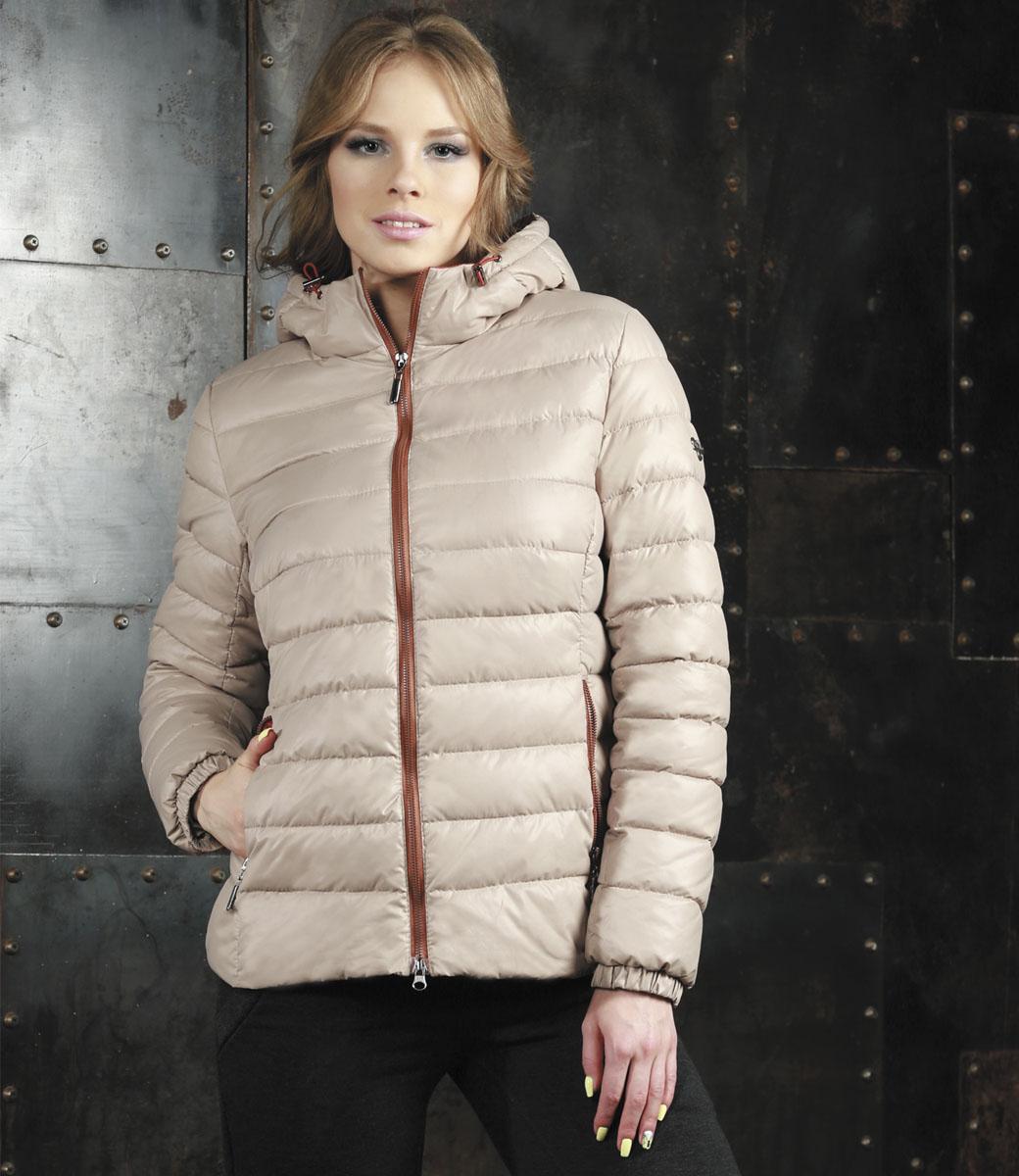 Куртка женская Grishko, цвет: светло-бежевый. AL-2968. Размер 46AL-2968Яркая женская куртка Grishko выполнена из 100% полиамида с наполнителем из полиэстера. Оформлена в трендовой цветовой гамме нового осенне-зимнего сезона. Такая модель отлично подойдет для прохладной погоды.Куртка с капюшоном приталенного кроя застегивается на застежку-молнию. Капюшон дополнен резинкой со стопперами, благодаря чему можно регулировать его в размере. Модель снаружи дополнена двумя втачными карманами на молниях. Манжеты рукавов оформлены на резинках.Очень комфортная и стильная куртка будет прекрасным выбором для повседневной носки и подчеркнет вашу индивидуальность.