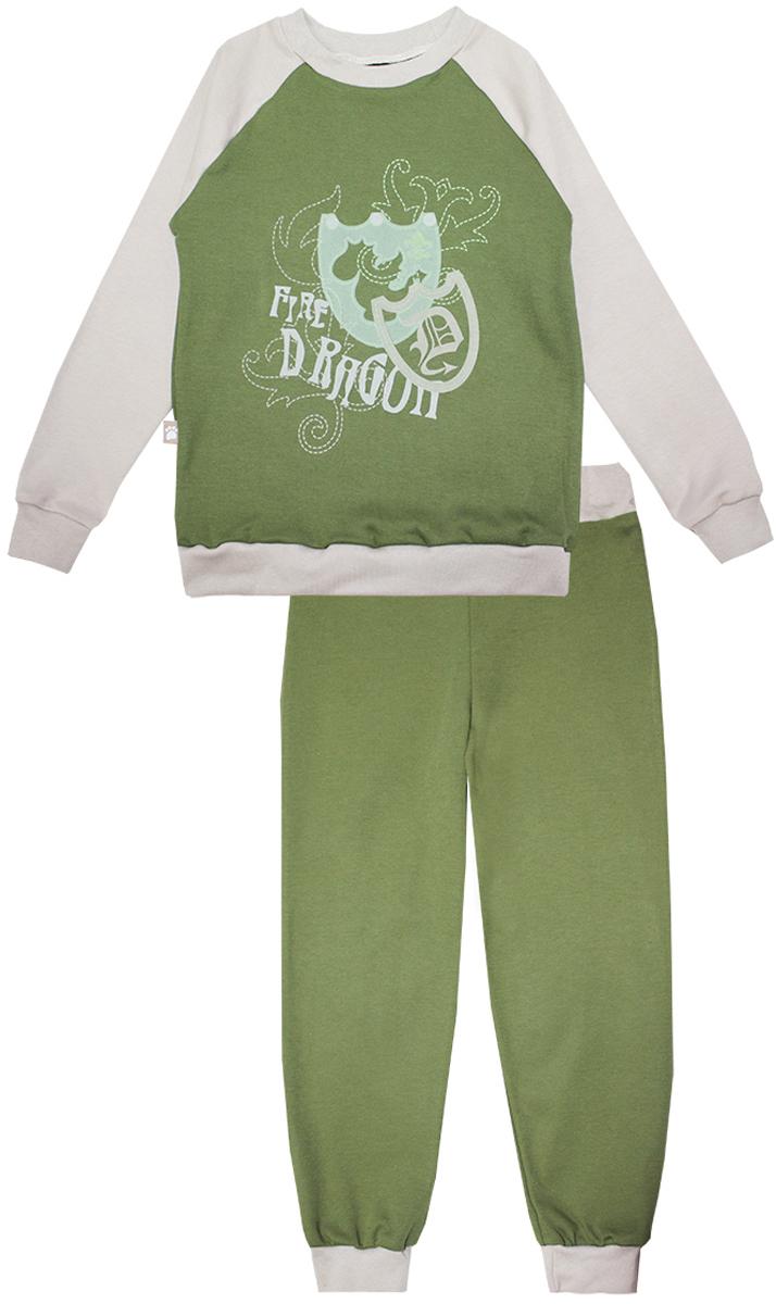 Пижама для мальчика КотМарКот Дракон, цвет: зеленый, бежевый. 16553. Размер 122, 7 лет16553Пижама для мальчика КотМарКот Дракон включает в себя лонгслив и брюки. Пижама изготовлена из натурального хлопка.Лонгслив с длинными рукавами-реглан и круглым вырезом горловины оформлен принтом с изображением щитов и надписью Fire Dragon.Свободные брюки с широкой эластичной резинкой на поясе дополнены трикотажными манжетами по низу брючин.