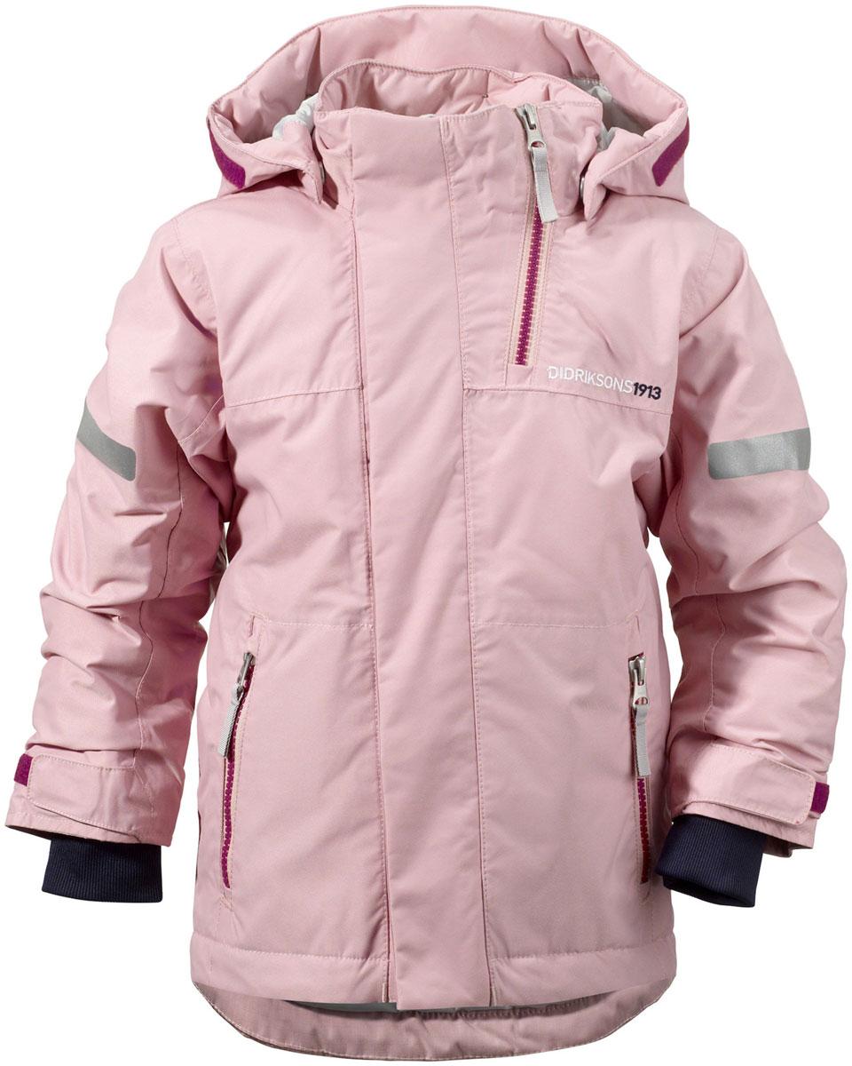 Куртка детская Didriksons1913 Rovda, цвет: светло-розовый. 501023_308. Размер 90501023_308Яркая детская куртка Didriksons1913 Rovda идеально подойдет для ребенка в прохладное время года. Куртка выполнена из непромокаемой и непродуваемой мембранной ткани. Наполнитель из синтепона надежно сохранит тепло.Куртка с воротником-стойкой и съемным капюшоном на кнопках застегивается на удобную застежку-молнию спереди и имеет ветрозащитный клапан на липучках и кнопках, объем капюшона регулируется при помощи хлястика на липучках. Воротник дополнен застежкой-молнией, которая позволяет увеличить его объем. Рукава оснащены внутренними трикотажными манжетами и хлястиками на липучках. Низ модели дополнен шнурком-кулиской со стоппером и вставкой на кнопках, дополненной силиконовой лентой, которая обеспечит надежное прилегание и защитит ребенка от ветра, попадания снега и влаги. Спереди расположены два втачных кармана на застежках-молниях. Куртка дополнена светоотражающими полосками на рукавах, спинке и капюшоне. Рассчитана на температуру от -5°С до -20°С (при соблюдении принципа многослойности).Модель растет вместе с ребенком: уникальный крой изделия позволяет при необходимости увеличить длину рукавов на один размер, распустив специальный внутренний шов.В такой куртке ваш ребенок будет чувствовать себя комфортно, уютно и всегда будет в центре внимания!