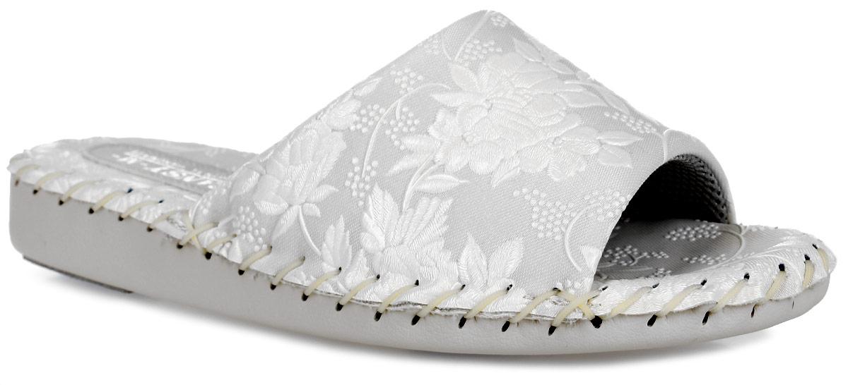 Тапки женские Pansy, цвет: айвори. N9383. Размер M (37)N9383_BeigeДомашняя обувьот Pansy - стандарт технологий комфорта из Японии:Mould - тапки Pansy проектируется и изготавливается по технологии современной модельной обуви: многослойная подошва и обувные материалы, обеспечивают функциональность модельной обуви при весе одного тапка от 100 до max 150 г . 3 Point - японская ортопедическая подошва снижает нагрузку на основные опорные точки, уменьшает разогрев стопы и поддерживает ее в оптимальном положении. Aerolite - технология фирмы Teijin Cordley Ltd. по изготовлению искусственной кожи с заранее заданными свойствами. Волокна аэрокапсульного волокна с включениями пузырьков воздуха выращивают с параметрами превышающие характеристики натуральной кожи по массе, гигроскопичности и износостойкости. Cool Max - сетка, используемая для быстрого отвода и испарения влаги, снижения температуры на особо нагруженных поверхностях по патенту фирмы Toray Inc. Zeomix - глубокая антибактериальная обработка ионами серебра по технологии Asahi Karuray на все время эксплуатации.Biosil - пропитка деодорантом Dow Jones Corning длительного действия эффективно нейтрализует запахи. Super Fine - грязеотталкивающее покрытие, обеспечивающее легкое удаление загрязнений влажной салфеткой. Функцию антискольжения - выполняют специальные нашивки на подошве.Тепло человеческих рук - используется при ручном соединении верхней стельки к подошве с помощью традиционной скорняжной техники. Модель выполнена из искусственной рельефной кожи, оформленной нежнымцветочным принтом.Удобные тапочки - незаменимая вещь в гардеробе каждойженщины!