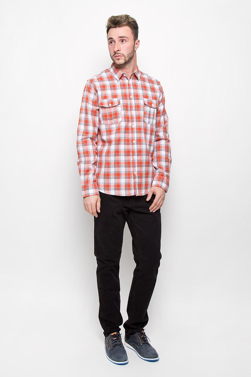 Рубашка мужская Sela Casual Wear, цвет: оранжевый, белый, серый. H-212/715-6424. Размер 40 (46)H-212/715-6424Стильная мужская рубашка Sela Casual Wear, изготовленная из натурального хлопка, необычайно мягкая и приятная на ощупь, не сковывает движения и позволяет коже дышать, не раздражает даже самую нежную и чувствительную кожу, обеспечивая наибольший комфорт.Модная рубашка в клетку с длинными рукавами и отложным воротником застегивается на пуговицы. Рукава дополнены манжетами на пуговицах. На груди модель оформлена накладными карманами с клапанами на пуговицах.Эта рубашка идеальный вариант для повседневного гардероба. Такая модель порадует настоящих ценителей комфорта и практичности!