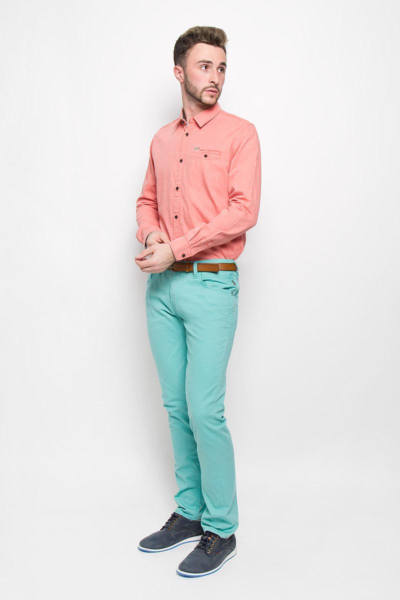 Рубашка мужская Tom Tailor, цвет: коралловый. 2032236.00.10_4265. Размер M (48)2032236.00.10_4265Стильная мужская рубашка Tom Tailor, изготовленная из натурального хлопка, необычайно мягкая и приятная на ощупь, не сковывает движения и позволяет коже дышать, не раздражает даже самую нежную и чувствительную кожу, обеспечивая наибольший комфорт.Модная рубашка с длинными рукавами и отложным воротником застегивается на пуговицы. Рукава дополнены манжетами на пуговицах. На груди модель оформлена врезным карманом на пуговице.Эта рубашка - идеальный вариант для повседневного гардероба. Такая модель порадует настоящих ценителей комфорта и практичности!