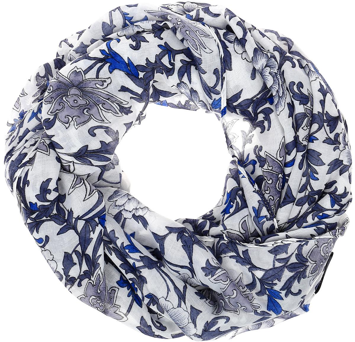 Палантин Sophie Ramage, цвет: синий, белый. YY-21607-3. Размер 80 см х 180 смYY-21607-3Элегантный палантин Sophie Ramage станет достойным завершением вашего образа. Палантин изготовлен из высококачественного модала с добавлением шелка. Оформлена модель стильным цветочным принтом. Палантин красиво драпируется, он превосходно дополнит любой наряд и подчеркнет ваш изысканный вкус. Легкий и изящный палантин привнесет в ваш образ утонченность и шарм.