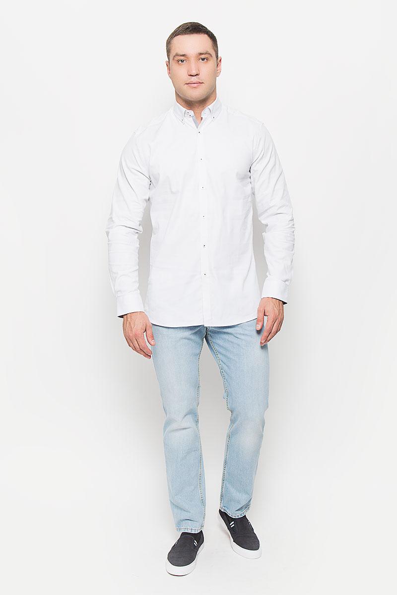 Рубашка мужская Mexx, цвет: белый. MX3000756. Размер L (52)MX3000756Великолепная рубашка Mexx с длинными рукавами, отложным воротникомзастегивается на пуговицы. Изделие приятное на ощупь, не сковывает движения,обеспечивая наибольший комфорт. Рубашка, выполненная из хлопка с добавлением эластана, обладает высокой воздухопроницаемостью и гигроскопичностью, позволяет коже дышать. Манжеты рукавов застегиваются на пуговицы. Модель оформлена интересным принтом. Потрясающая рубашка Mexx послужит замечательным дополнением к вашему гардеробу.