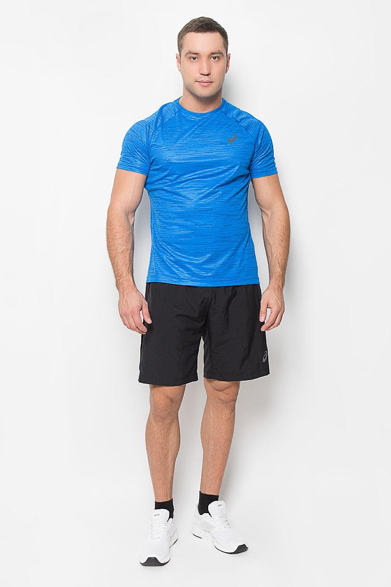 Футболка для бега мужская Asics SS Top, цвет: голубой. 134692-0053. Размер XL (52/54)134692-0053Стильная мужская футболка для бега Asics SS Top, выполненная из высококачественного полиэстера, обладает высокой воздухопроницаемостью, а также превосходно отводит влагу от тела, оставляя кожу сухой даже во время интенсивных тренировок. Она предназначена для любого типа и места тренировок - от спортзала до парка. Комфортные плоские швы исключают риск натирания и раздражения.Модель с короткими рукавами-реглан и круглым вырезом горловины - идеальный вариант для создания модного спортивного образа. Спинка футболки дополнена широкой сетчатой вставкой. Футболка оформлена логотипом бренда на груди. Такая футболка идеально подойдет для занятий спортом, бега и фитнеса. В ней вы всегда будете чувствовать себя уверенно и комфортно.