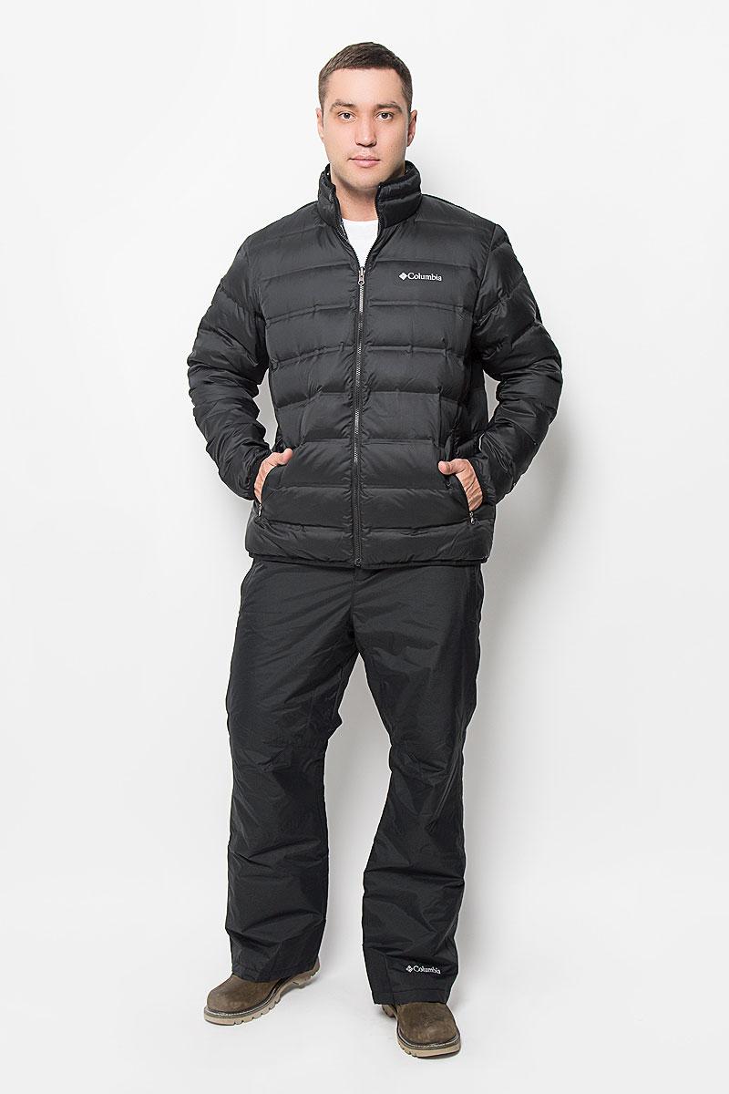Куртка мужская Columbia Cascade Peak Down Jacket, цвет: черный. 1694451-010. Размер L (48/50)1694451-010Отличная мужская куртка Columbia Cascade Peak Down Jacket, выполненная из полиэстера, незаменимая вещь в прохладную погоду. Технология Omni-Heat обеспечивает идеальную терморегуляцию, водоотталкивающая пропитка защитит от грязи и легкого дождя. Модель с воротником стойкой и длинными рукавами застегивается на застежку-молнию. Края воротника, низ рукавов и низ изделия обработаны эластичной бейкой. Спереди куртка дополнена двумя вместительными прорезными карманами на застежках-молниях. С внутренней стороны изделия расположено четыре вместительных накладных кармана. На груди модель оформлена логотипом бренда. Эта потрясающая куртка послужит отличным дополнением к вашему гардеробу!