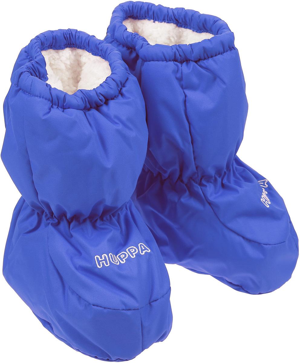 """Пинетки детские Huppa Taylor, цвет: синий. 8701BASE-60035. Размер универсальный8701BASE-60035Теплые пинетки Huppa Taylor идеально подойдут для маленьких ножек вашего малыша. Изделие изготовлено из влагоустойчивой и дышащей ткани. У пинеток мягкая подкладка из """"Coral-fleece"""", приятна для нежной кожи ребёнка, а лёгкий утеплитель согреет крошечные ножки. Для удобства ношения пинеток в центральную часть и по верхнему краю вшиты резинки, чтобы они хорошо держались на ножках, а в качестве украшения добавлена красивая вышивка Huppa.Сзади пинетки оформлены светоотражающей вставкой с названием бренда.Такие пинетки - отличное решение для малышей и их родителей! Водо и воздухонепроницаемость 5 000/ 5000."""