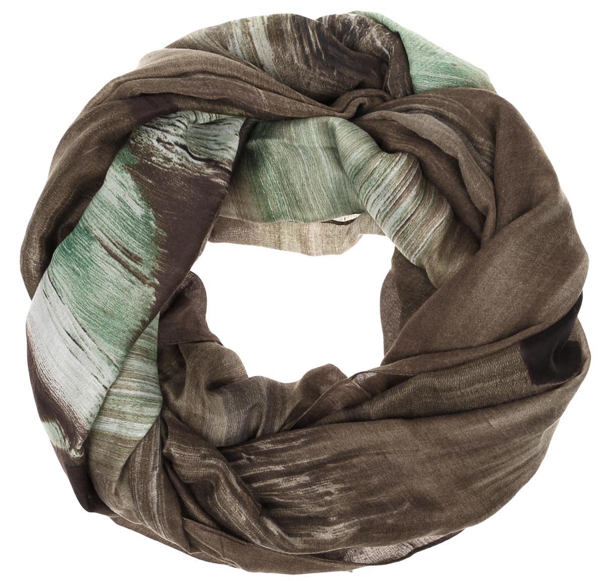 Палантин Sophie Ramage, цвет: коричневый, зеленый. YY-21619-17. Размер 120 см х 180 смYY-21619-17Элегантный палантин Sophie Ramage станет достойным завершением вашего образа. Палантин изготовлен из высококачественного модала с добавлением шерсти и полиэстера. Оформлена модель стильным принтом. Палантин красиво драпируется, он превосходно дополнит любой наряд и подчеркнет ваш изысканный вкус. Легкий и изящный палантин привнесет в ваш образ утонченность и шарм.