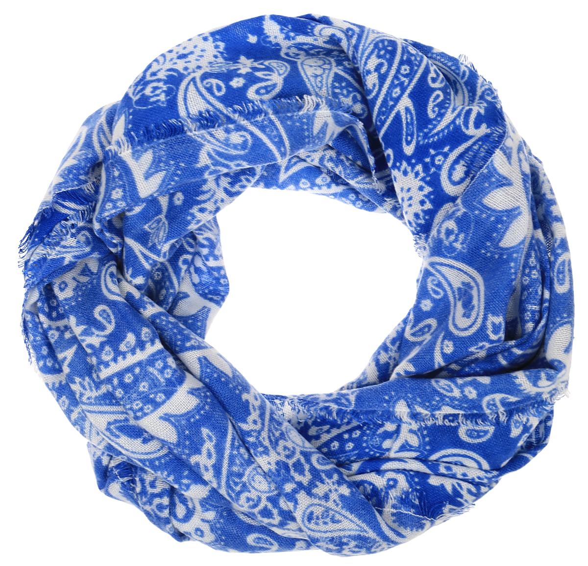 Палантин Sophie Ramage, цвет: белый, синий. YY-21617-1. Размер 70 см х 180 смYY-21617-1Элегантный палантин Sophie Ramage станет достойным завершением вашего образа. Палантин изготовлен из акрила с добавлением шерсти. Модель декорирована ярким узором по всему изделию. Палантин красиво драпируется, он превосходно дополнит любой наряд и подчеркнет ваш изысканный вкус. Легкий и изящный палантин привнесет в ваш образ утонченность и шарм.