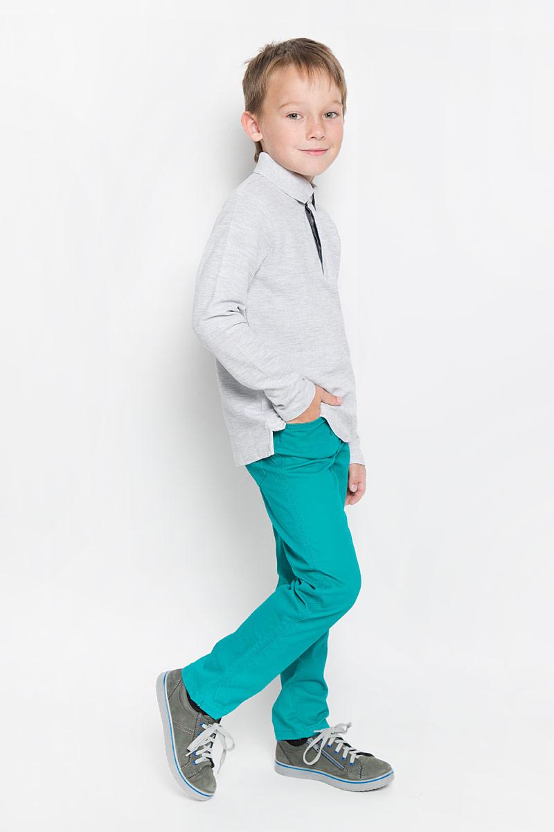Поло для мальчика Sela, цвет: светло-серый. Tp-811/1024-6332. Размер 116, 6 летTp-811/1024-6332Поло для мальчика Sela с длинными рукавами идеально подойдет вашему маленькому мужчине. Изготовленная из натурального хлопка, она необычайно мягкая и приятная на ощупь, не сковывает движения малыша и позволяет коже дышать, не раздражает даже самую нежную и чувствительную кожу ребенка, обеспечивая ему наибольший комфорт.Модель с отложным воротничком-поло сверху застегивается на три пуговицы скрытые под планкой. Воротник выполнен из плотного трикотажа. Боковые швы дополнены не большими разрезами.Оригинальный современный дизайн и модная расцветка делают эту кофту модным и стильным предметом детского гардероба. В ней ваш малыш будет чувствовать себя уютно и комфортно и всегда будет в центре внимания!
