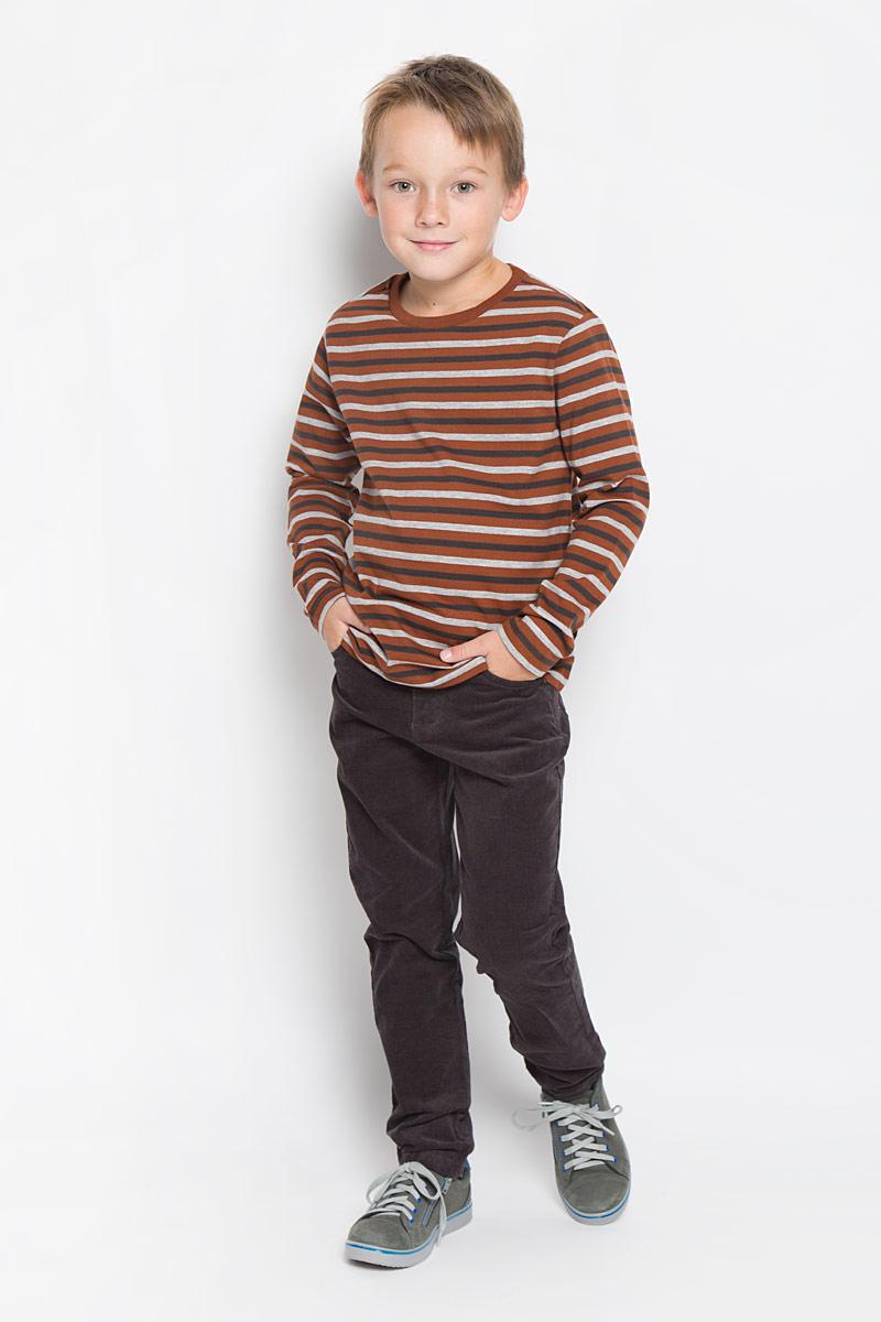 Лонгслив для мальчика Sela, цвет: черный, коричневый, серый. T-811/934-6332. Размер 122, 7 летT-811/934-6332Лонгслив для мальчика Sela станет отличным дополнением к детскому гардеробу. Изготовленный из натурального хлопка, он необычайно мягкий и приятный на ощупь, не сковывает движения и позволяет коже дышать, не раздражает даже самую нежную и чувствительную кожу ребенка, обеспечивая ему наибольший комфорт. Модель имеет длинные рукава и круглый вырез горловины, дополненный трикотажной резинкой. Изделие оформлено принтом в полоску. Современный дизайн и расцветка делают этот лонгслив стильным предметом детской одежды. В нем юный модник будет чувствовать себя комфортно и всегда будет в центре внимания!