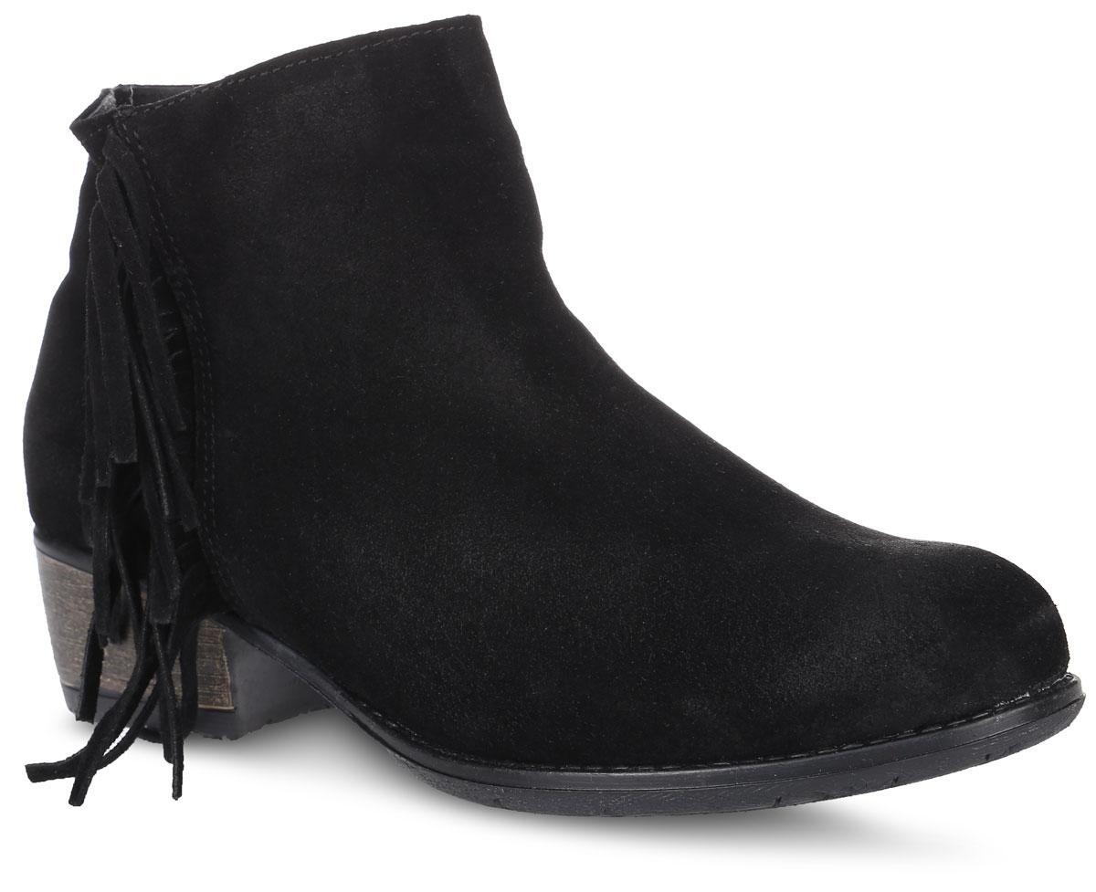 Ботинки женские El Tempo, цвет: черный. PAS6_32724. Размер 39PAS6_32724_BLACKСтильные ботинки от EL Tempo не оставят вас равнодушной. Модель на застежке-молнии, выполнена из натурального высококачественного спилока. Боковая сторона изделия декорирована бахромой. Внутренняя поверхность и стелька изготовлены из мягкой байки, сохраняющей тепло и создающей комфорт. Небольшой устойчивый каблук и подошва с рифлением гарантируют отличное сцепление с любой поверхностью. Модные и удобные ботинки - незаменимая вещь в женском гардеробе.