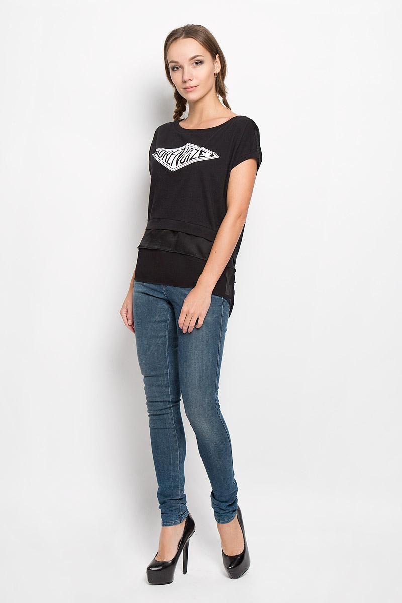 Футболка женская Diesel, цвет: черный. 00STR7-0WAJE. Размер L (48)00STR7-0WAJE/900Стильная женская футболка Diesel, выполненная из натурального хлопка, подчеркнет ваш уникальный стиль и поможет создать оригинальный женственный образ.Футболка с короткими рукавами и круглым вырезом горловины. Спинка модели выполнена из полупрозрачного легкого полиэстера и немного удлинена. Изделие оформлено термоаппликацией в виде надписи More Noize и по низу дополнено вставками из полупрозрачного легкого материала. Такая футболка будет дарить вам комфорт в течение всего дня и послужит замечательным дополнением к вашему гардеробу.